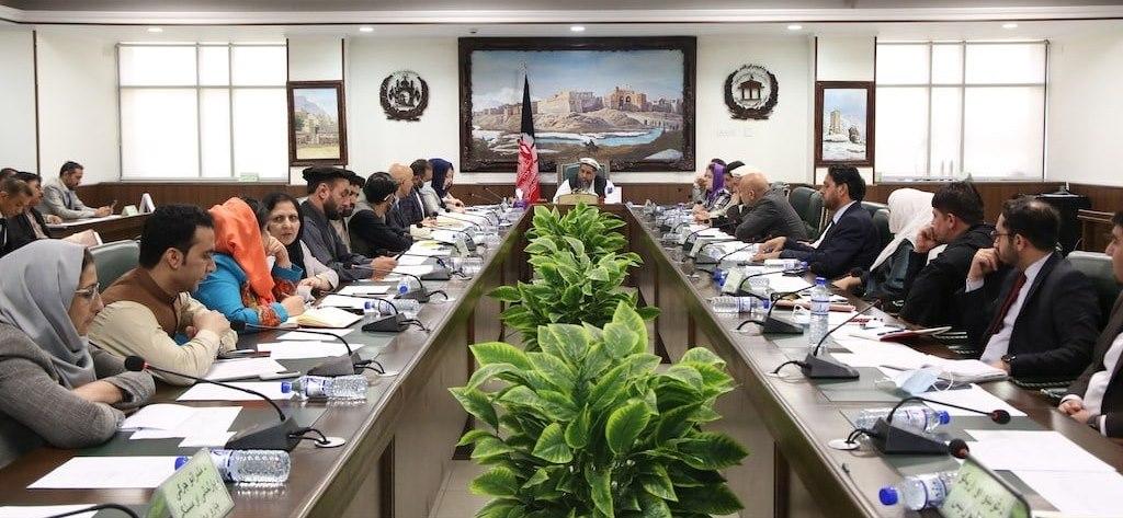 اشتراک وزیر مخابرات در جلسه کمیته رییسان مشرانو جرگه و ارایه توضیحات در مورد موضوعات مربوط