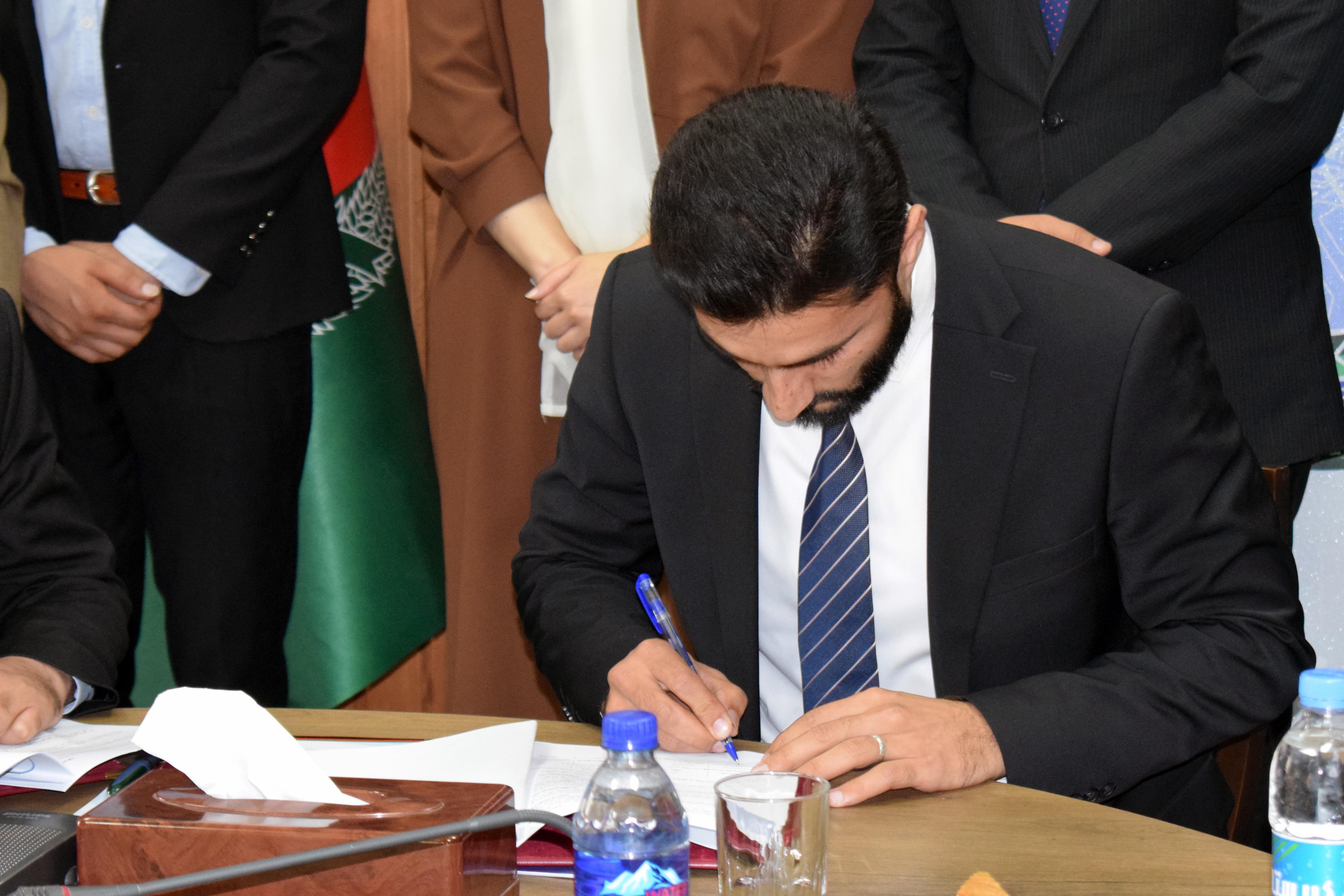 امضای توافقنامه همکاری و توزیع جواز فعالیت به شرکت خدمات پُستی «بُبَر اکسپرس»