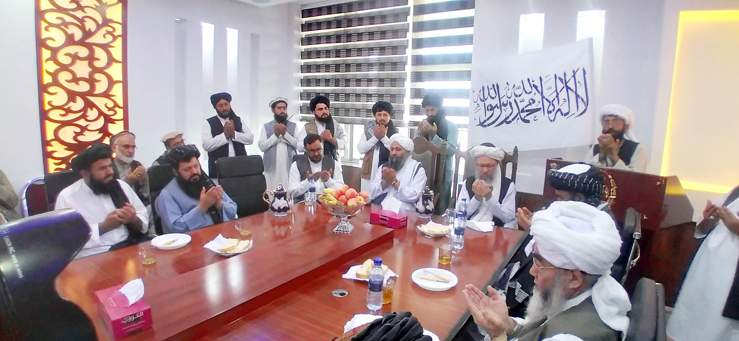 جلسه در اخیر با دعائیه محترم مولوی عبدالسلام سعادت پایان یافت.